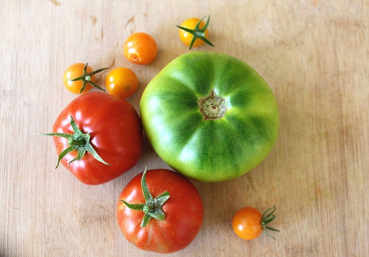 Tomatoes - Top 12 foods for a clear complexion