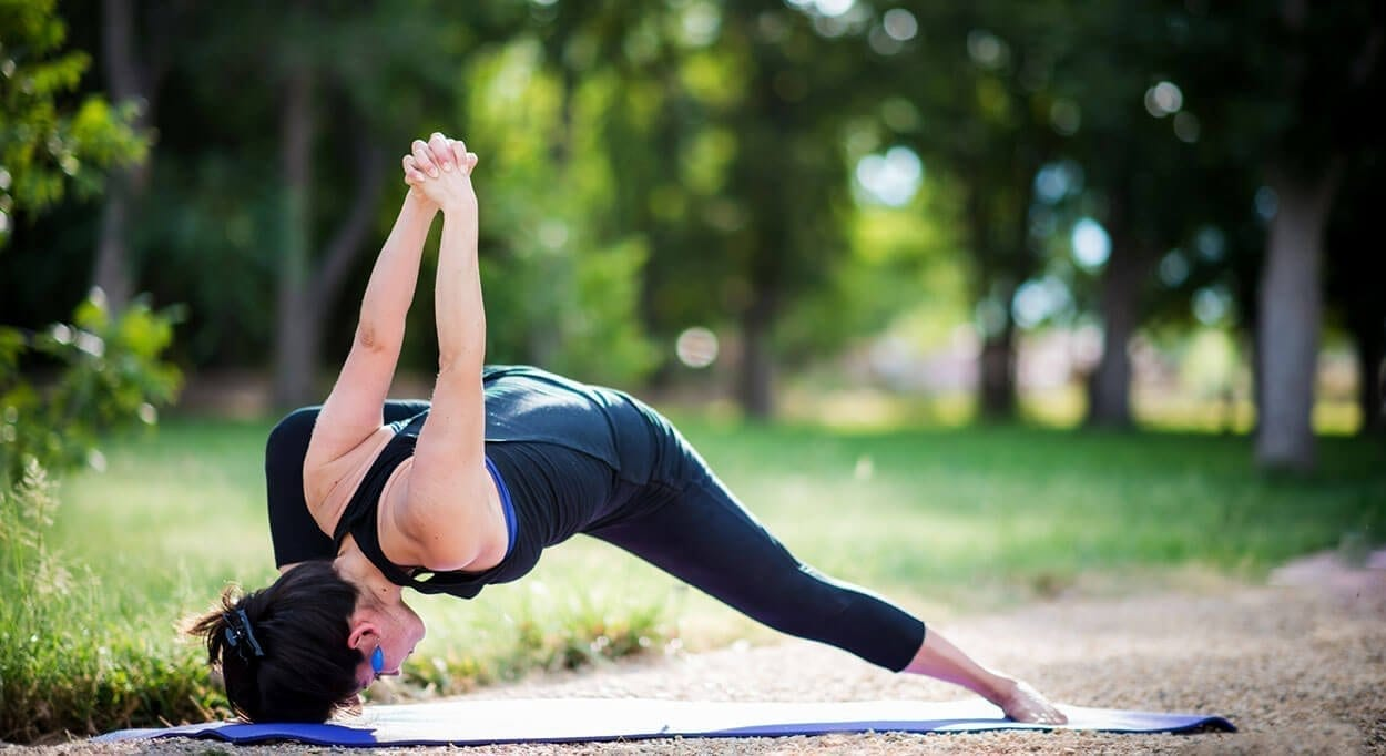 Humble Warrior - 3 yoga poses to fight the fat this winter