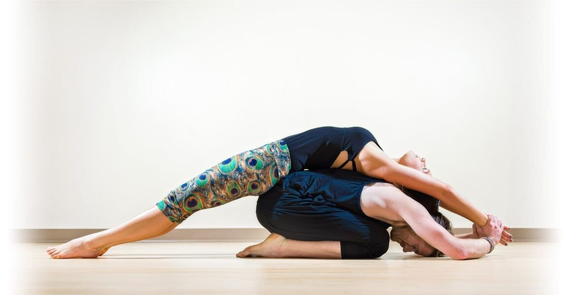 Make this Valentine's day special with couples yoga