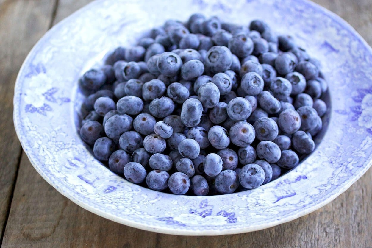 Blueberries - Top 7 foods that look after your gut flora