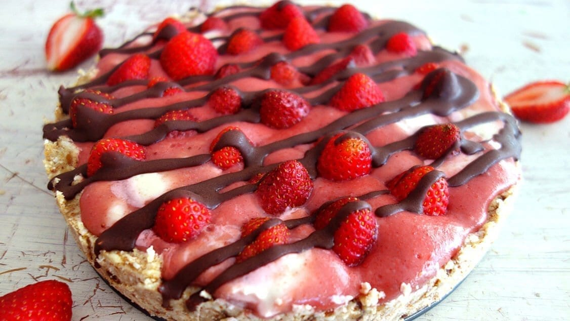 Strawberry Tart - 5 must-try raw food recipes