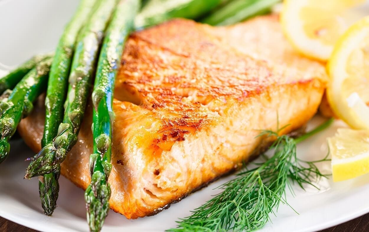 Eating late try these quick healthy easy to digest recipes easy salmon with potatoes and asparagus forumfinder Image collections