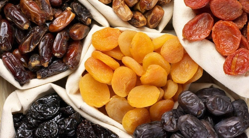 different types of dried fruit
